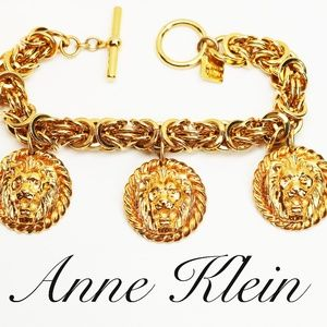 RARE! ANNE KLEIN LIONS HEAD GOLD PLATED BRACELET